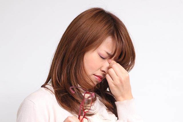 生理前後の目の奥の痛み
