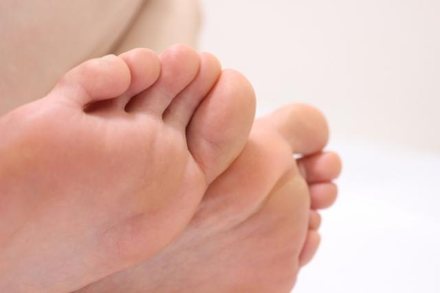 足のふわふわ感としびれ